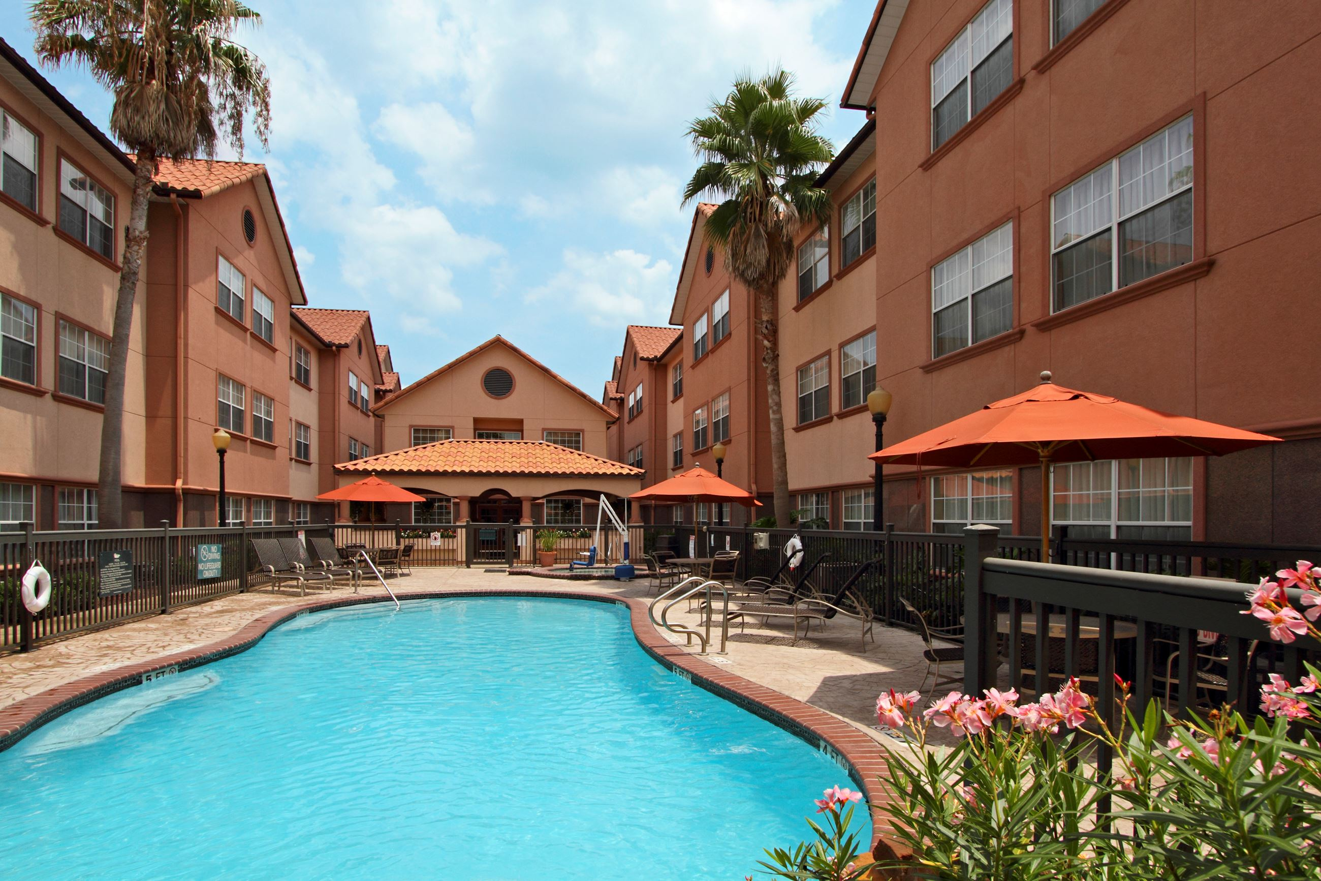 Homewood Suites by Hilton Pool