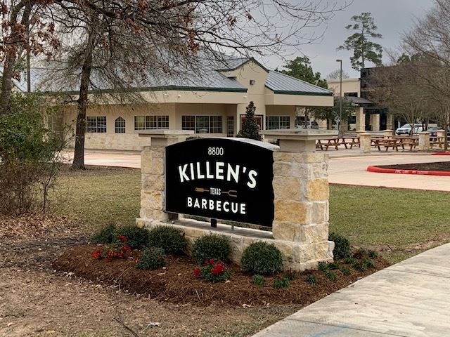 Exterior of Killen's Barbecue